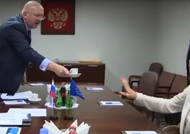 Že by novičok? Odpůrci RF jsou nadšeni, že Mogheriniová odmítla kávu na setkání s Lavrovem