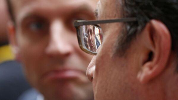 Francois Hollande a Emmanuel Macron - Sputnik Česká republika