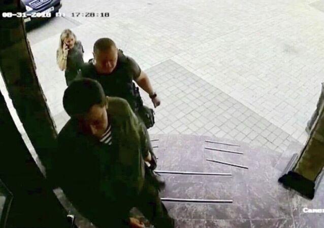 Na internetu koluje fotografie Zacharčenka, která byla pořízena minutu před jeho smrtí