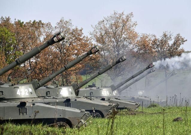 Palba dělostřelců. Ilustrační foto