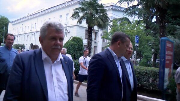 Poslanec slovenského parlamentu Peter Marček zverejnil na Youtube video z cesty na Krym - Sputnik Česká republika