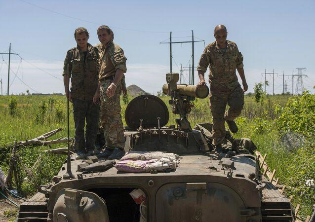 Příslušníci ukrajinské armády u Horlivky. Archivní foto