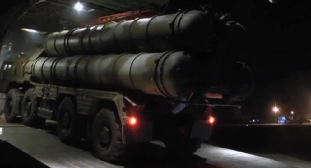 Byly uveřejněny nové záběry dopravy S-300 do Sýrie
