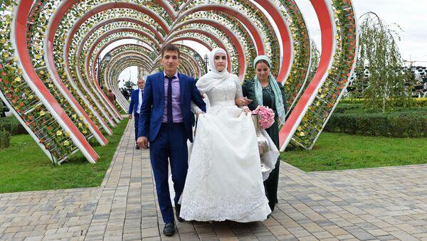 Svatby, tance a ohňostroj! V Čečensku oslavili 200. výročí založení města Grozný - Sputnik Česká republika