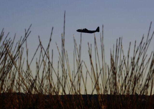 Vojenské letadlo.