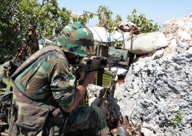 Ozbrojenci kopají tunely a ostřelují civilní osoby