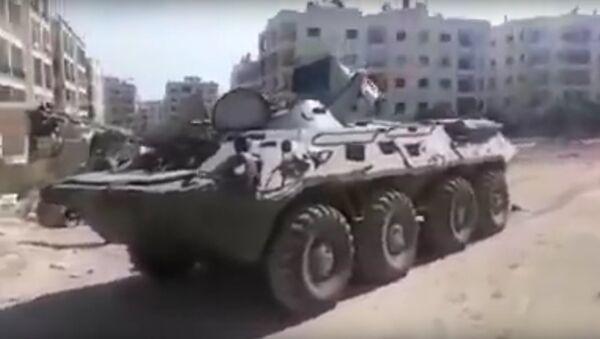 V Sýrii byla spatřena vzácná a velmi hlučná verze BTR-80 - Sputnik Česká republika