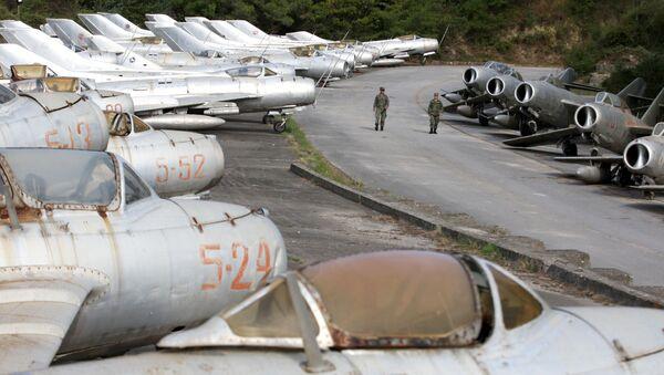 Jak se rozšiřuje NATO? První letecká základna NATO na západním Balkánu - Sputnik Česká republika