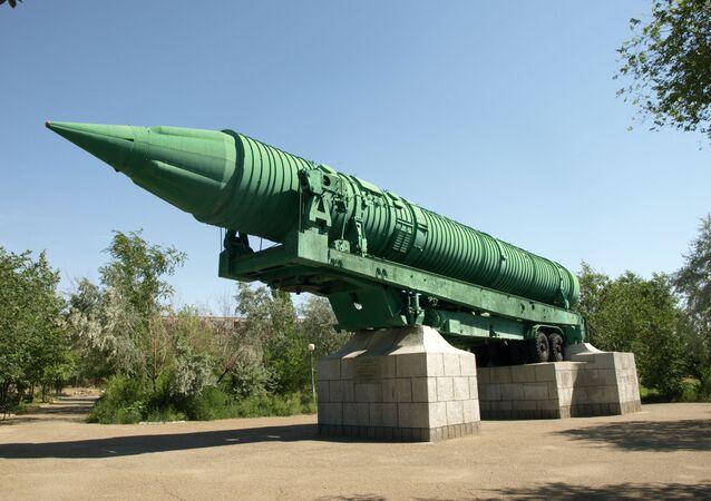 Mezikontinentální balistická střela MR-UR-100