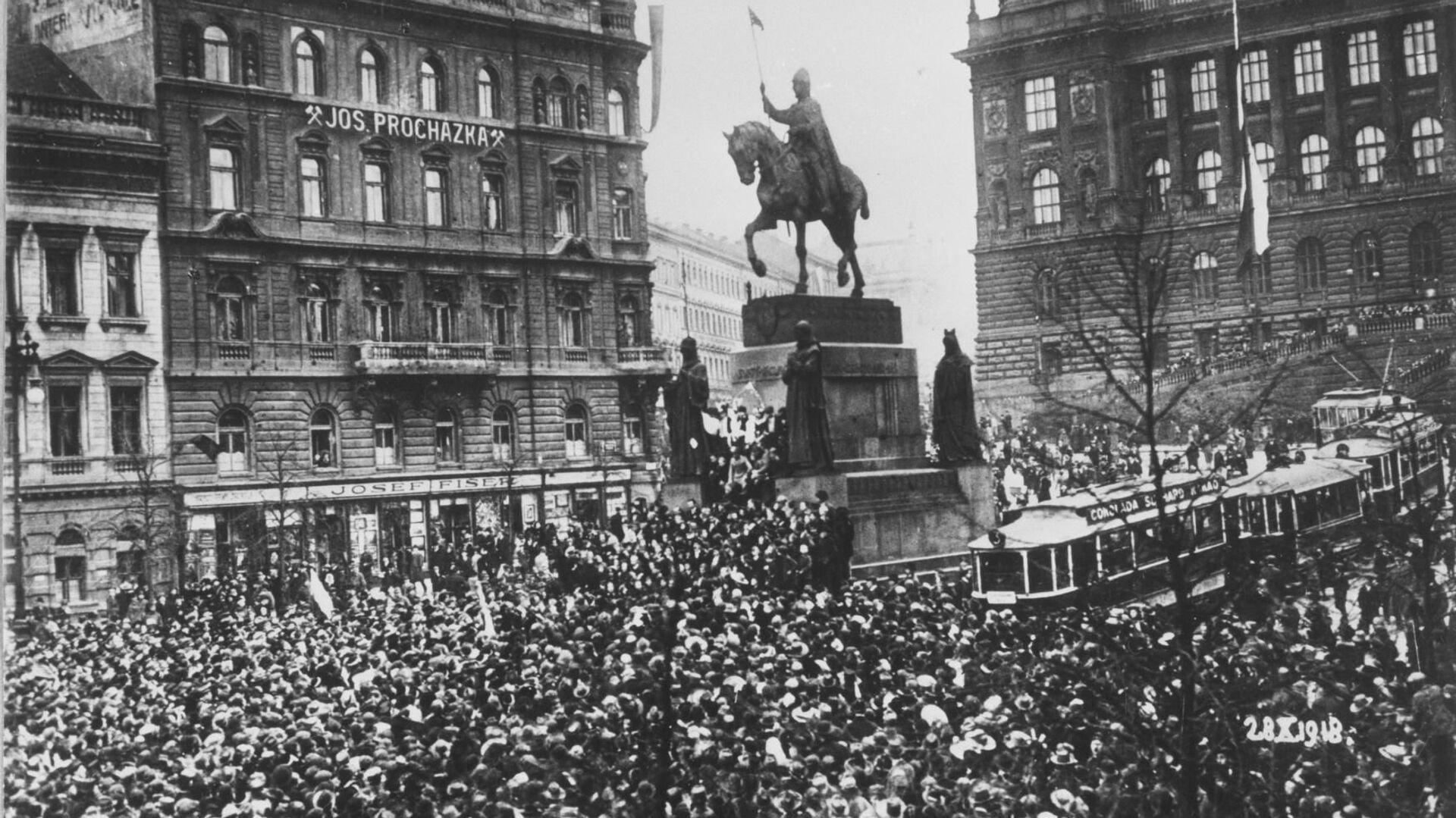 Václavské náměstí v Praze 28. října 1918 - Sputnik Česká republika, 1920, 13.08.2021