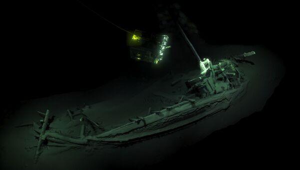 Vrak nejstarší potopené lodi, jejíž stáří se odhaduje na 2400 let - Sputnik Česká republika