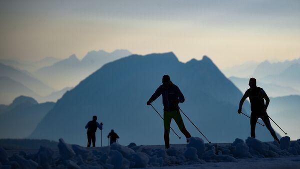 Ruští biatlonisté na soustředění na Dachsteinu v Rakousku - Sputnik Česká republika