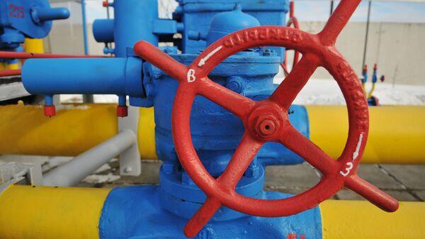 Ventil u plynového potrubí ve Lvovské oblasti, Ukrajina - Sputnik Česká republika