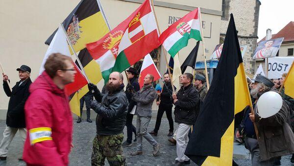 Pochod monarchistů Prahou 28-10-2018 - Sputnik Česká republika