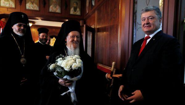 Porošenko a Konstantinopolský patriarcha podepsali dohodu o spolupráci - Sputnik Česká republika