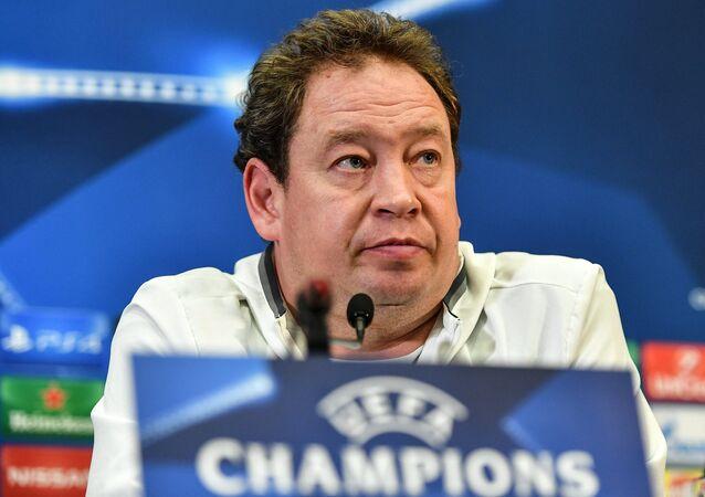 Hlavní trenér holandského fotbalového klubu Vitesse Leonid Sluckij