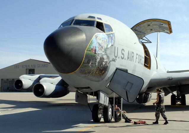 Americký boeing KS-135 Stratotanker