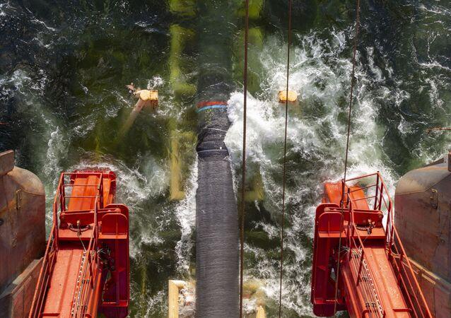 Budování Severního proudu 2 ve Finském zálivu