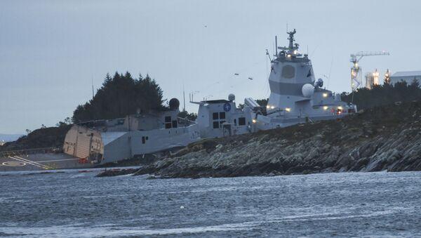 Srážka fregaty KNM Helge Ingstad s tankerem Sola TS - Sputnik Česká republika