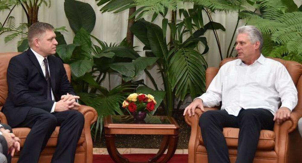 Robert Fico a s novým kubánským prezidentem Miguelem Díaz-Canelem