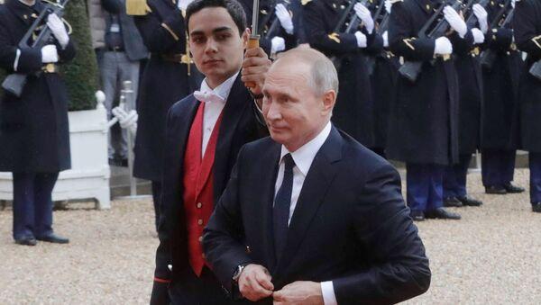 Ruský prezident Vladimir Putin v Paříži - Sputnik Česká republika