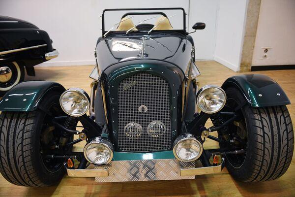 Aukce vzácných retro automobilů v Moskvě - Sputnik Česká republika