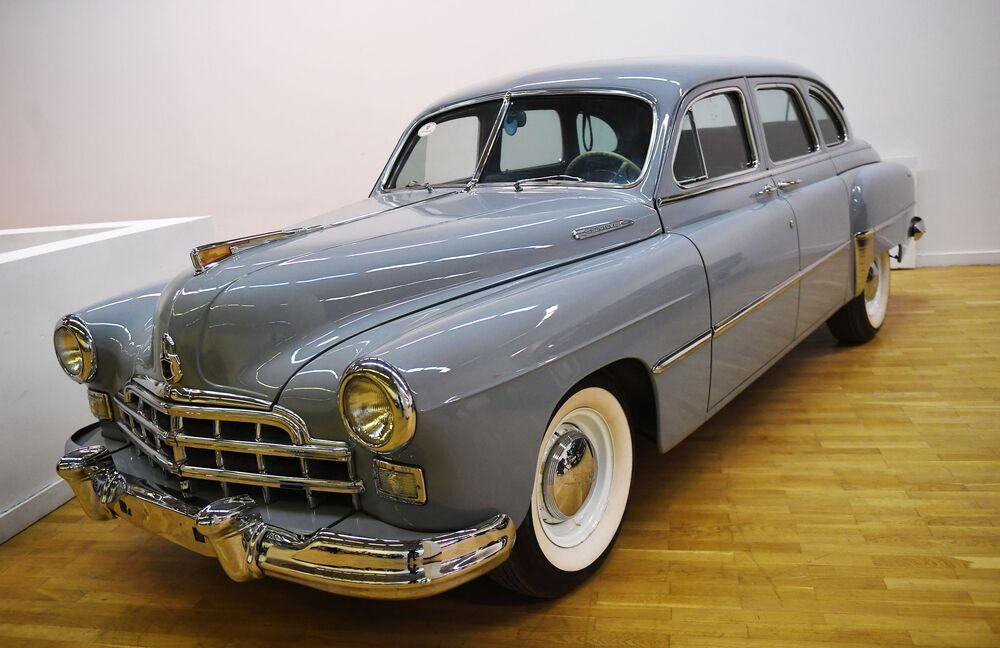 Aukce vzácných retro automobilů v Moskvě