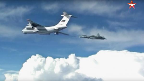 Dotankování Su-57 za letu - Sputnik Česká republika