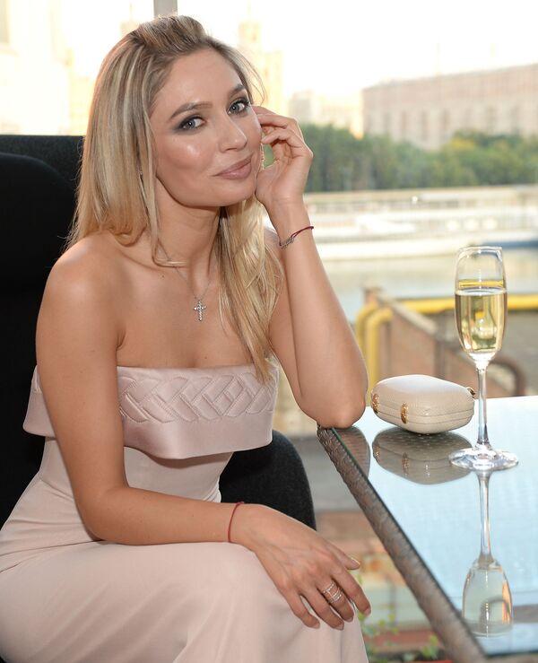 To vás nažhaví: Nejvíce sexy Rusky podle pánského časopisu MAXIM - Sputnik Česká republika