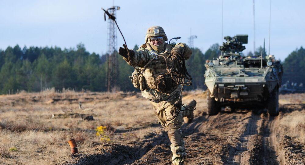 Americký vojýk běgem cvičení v Litvě