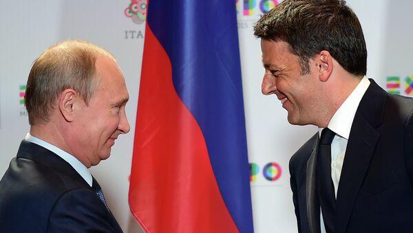 Ruský prezident Vladimir Putin a italský premiér Matteo Renzi - Sputnik Česká republika