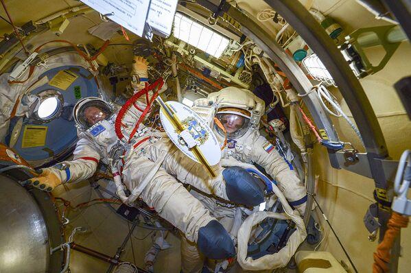 Vesmírný život. Jak žijí pozemšťani ve vesmíru - Sputnik Česká republika