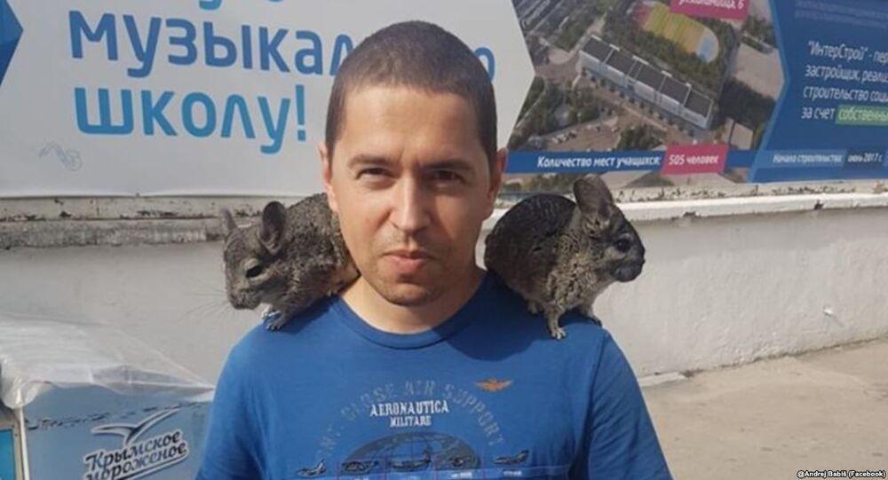 Syn Andreje Babiše během cesty na Krym