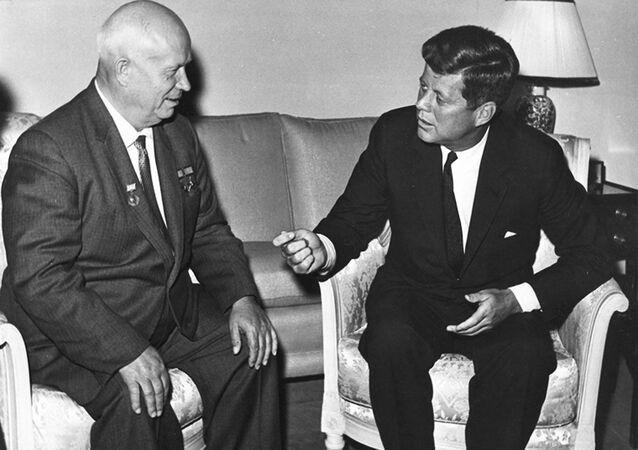 Nikita Chruščov a John F.Kennedi během jednání ve Vídni v roce 1961