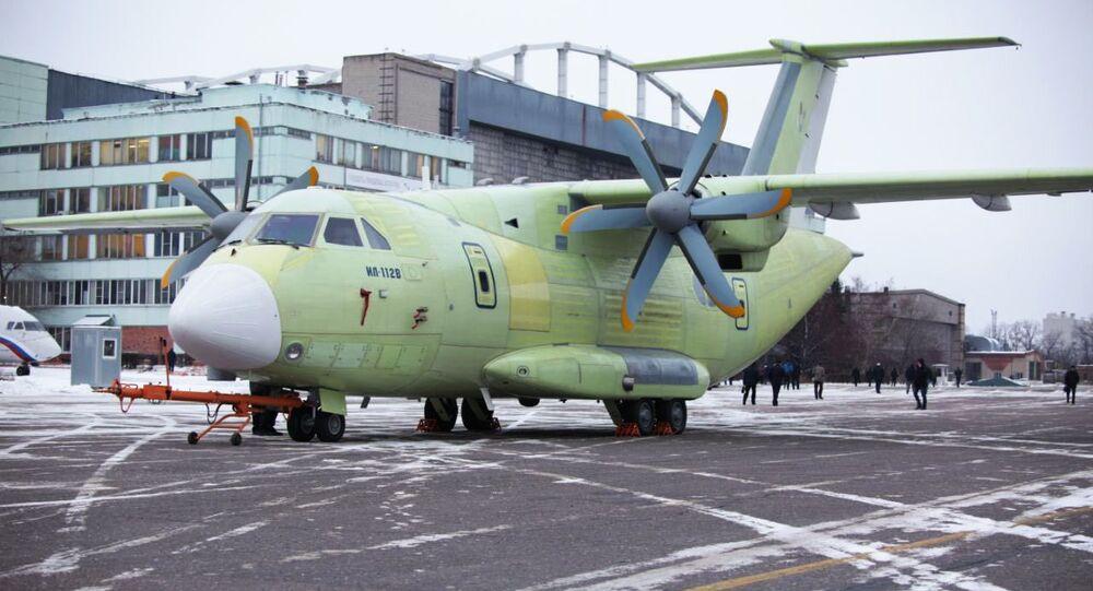 Nové ruské vojenské dopravní letadlo Il-112V