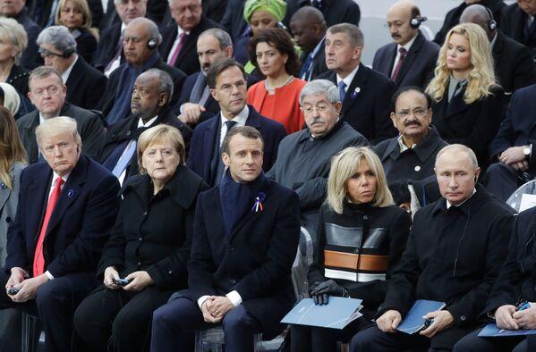 Pamětní obřad v Paříži při příležitosti k 100. výročí konce 1. světové války - Sputnik Česká republika