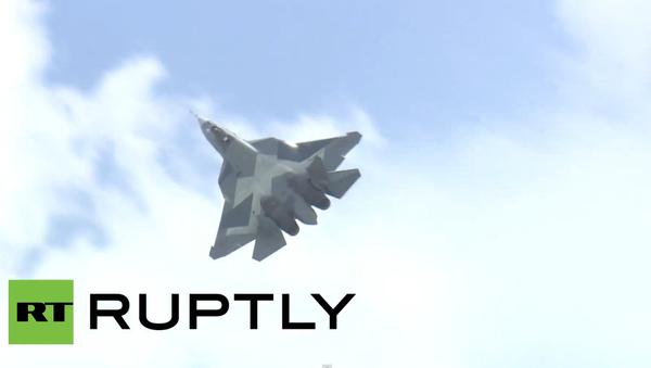 Nový prototyp stíhačky T-50 se zúčastnil letecké show Aviadarts - Sputnik Česká republika