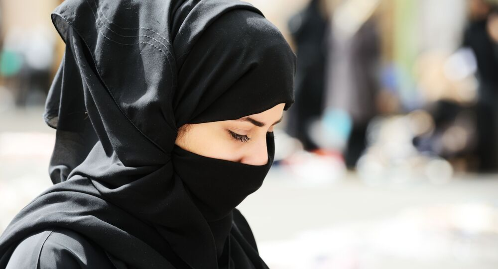 Muslimka v burce. Ilustrační foto