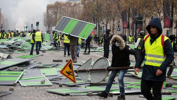 Nepokoje v Paříži - Sputnik Česká republika