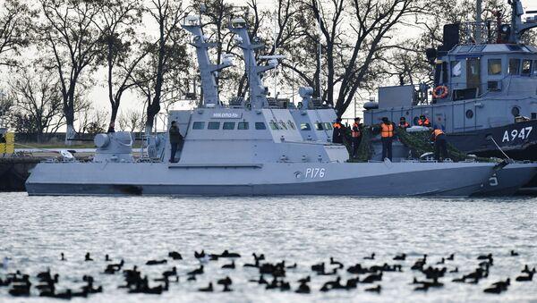 Ukrajinské lodě zadržené za porušení ruské hranice - Sputnik Česká republika