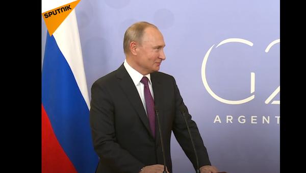 Putin  zapochyboval o možnosti svého zadržení na vojenské základně - Sputnik Česká republika