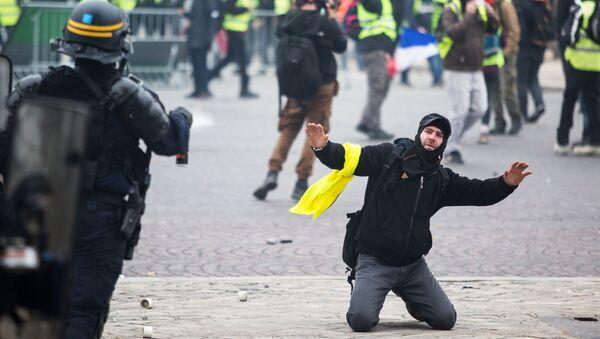 Protestních akce žlutých vest ve Francii - Sputnik Česká republika