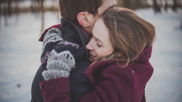 Zamilovaný pár. Ilustrační obrázek - Sputnik Česká republika