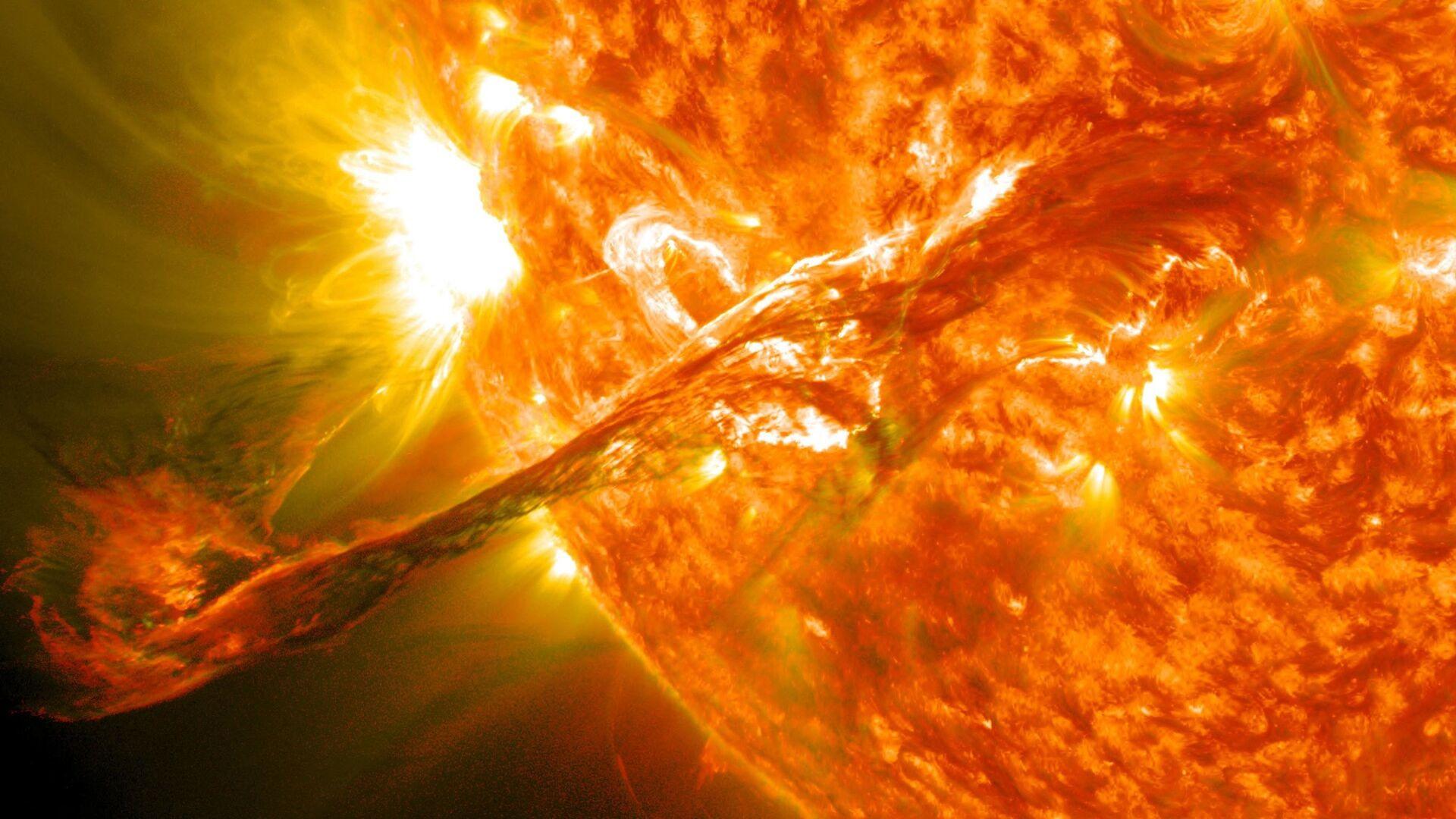 Sluneční erupce - Sputnik Česká republika, 1920, 02.05.2021