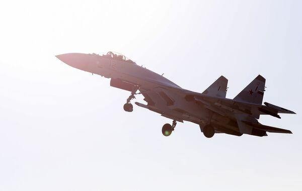 """""""Ruští sokolové"""": Letecké vystoupení stíhaček Su-35S ve Vladivostoku - Sputnik Česká republika"""