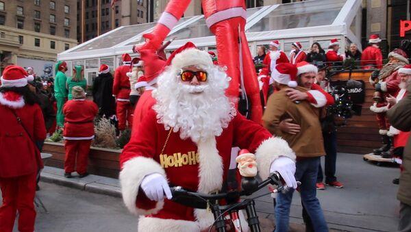 V New Yorku proběhlo vánoční setkání Santa Klausů - Sputnik Česká republika