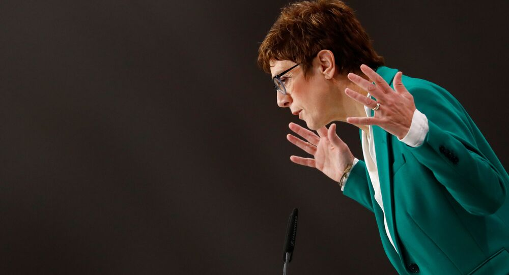 Nová předsedkyně CDU Annegret Krampová-Karrenbauerová
