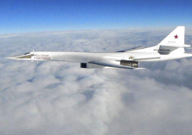 Strategický bombardér Tu-160