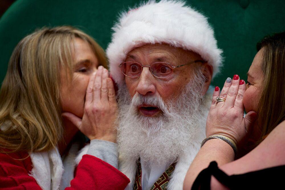 Santa Klaus v OC King of Prussia Mall,Pennsylvania, USA
