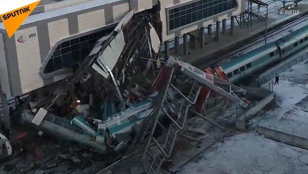 V Turecku rychlovlak se srazil s druhým vlakem, zemřelo devět osob - Sputnik Česká republika